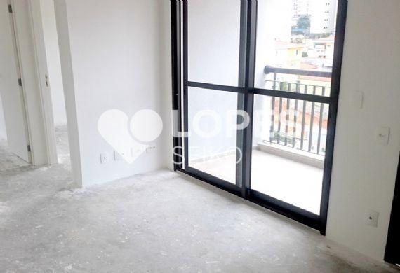 Saúde, Apartamento Padrão - Sala retangular com dois ambientes