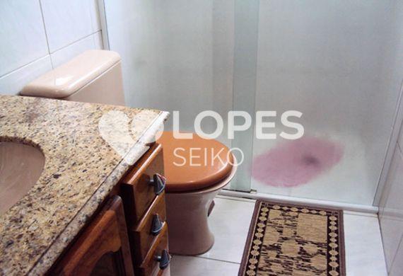 Sacomã, Apartamento Padrão-Banheiro da suíte com box de vidro e pia de granito com gabinete