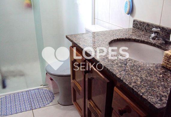 Sacomã, Apartamento Padrão-Banheiro social com box de vidro e pia de granito com gabinete