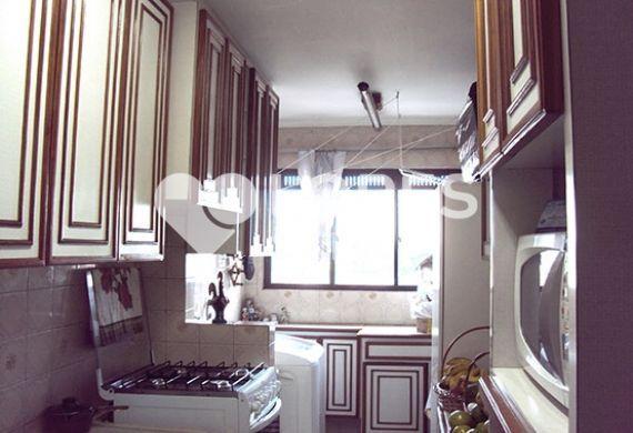Sacomã, Apartamento Padrão-Cozinha com piso de cerâmica, armários planejados e pia de granito