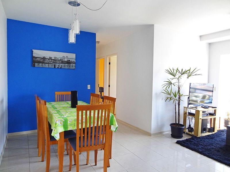Jabaquara, Apartamento Padrão - Sala em L com dois ambientes, piso de porcelanato e acesso à sacada.