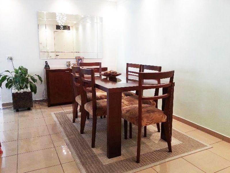 Sacomã, Apartamento Padrão - Sala com piso de cerâmica e teto rebaixado com iluminação embutida.