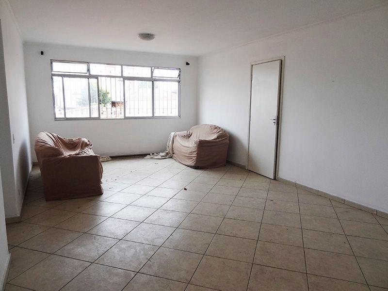 Ipiranga, Apartamento Padrão - Sala retangular com piso de cerâmica e teto com moldura de gesso.