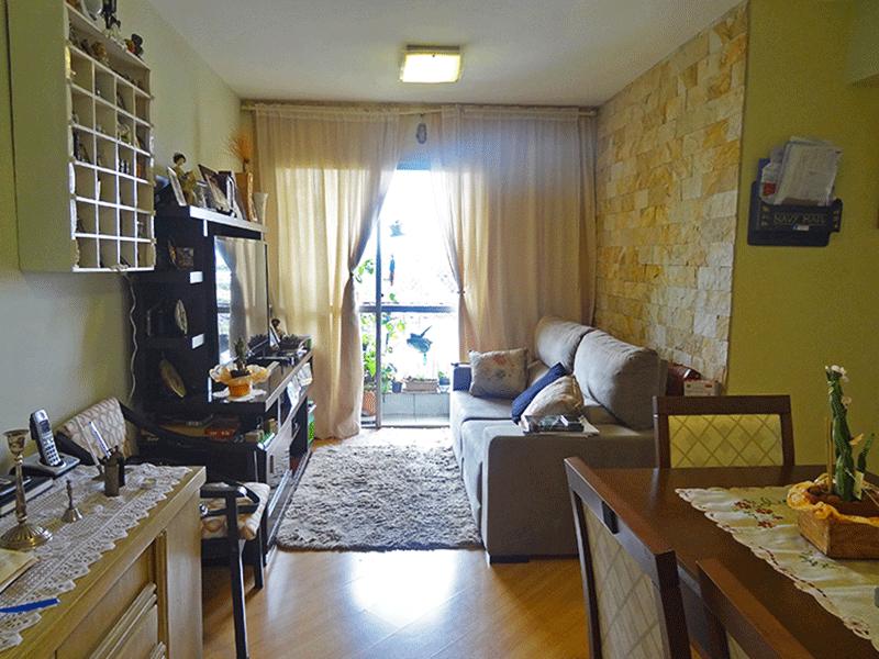 Saúde, Apartamento Padrão - Sala em L com piso laminado.
