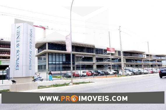 Sala/Escritório para arrendar, Talatona, Luanda