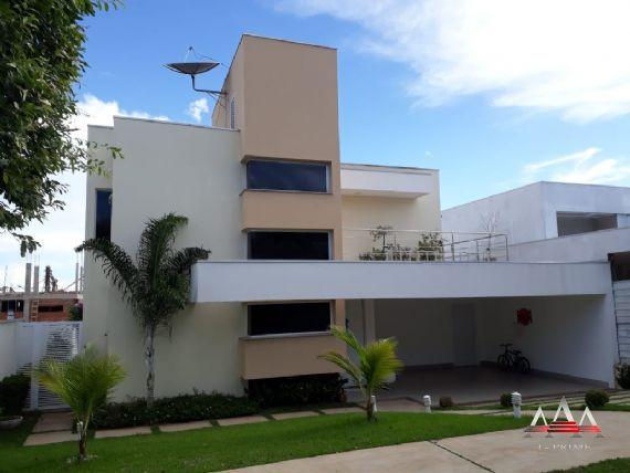 Casa Térrea-Condomínio Belvedere
