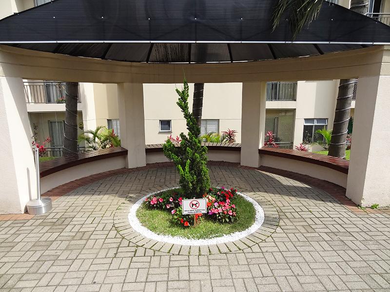 Jabaquara, Apartamento Padrão-Praça com bancos