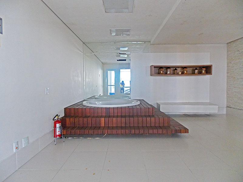 Jabaquara, Apartamento Padrão-Área de lazer com banheira de hidromassagem.