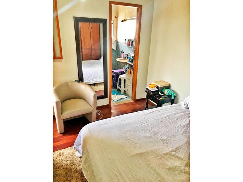 Jabaquara, Cobertura Duplex-Suíte com piso de tacão, teto com moldura de gesso e armários planejados.