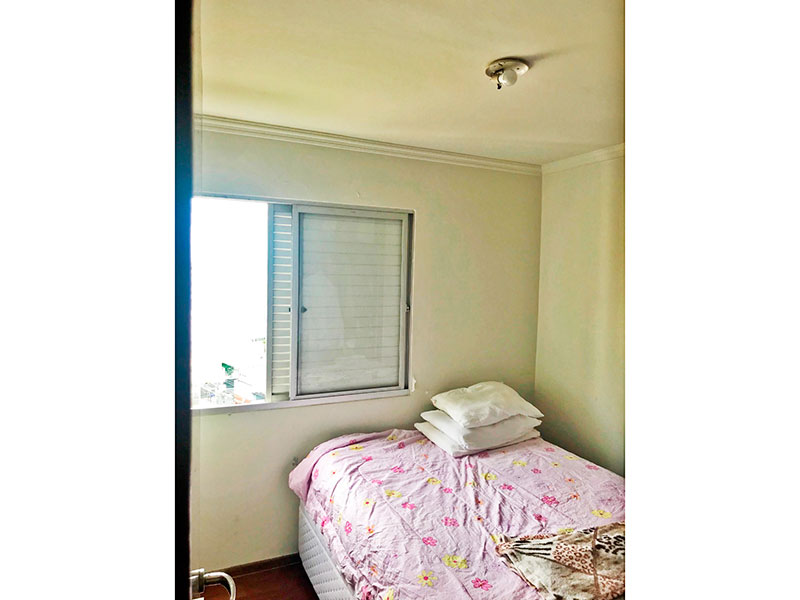 Jabaquara, Cobertura Duplex-2º Quarto com piso de tacão e teto com moldura de gesso.
