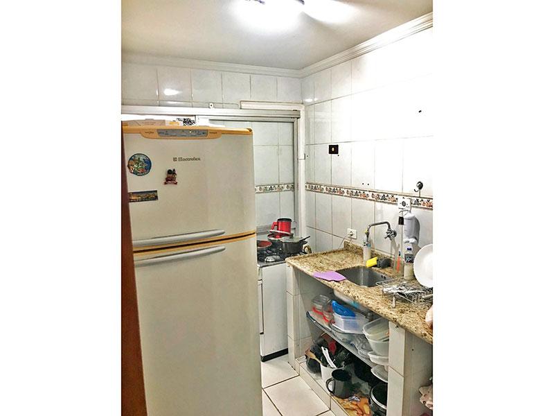 Jabaquara, Cobertura Duplex-Cozinha com piso de cerâmica, teto com moldura de gesso, pia de granito e acesso a área de serviço.