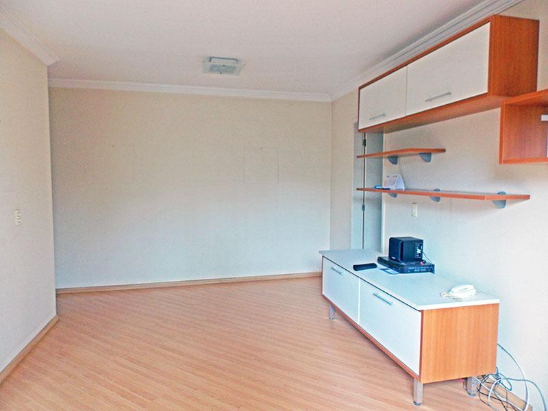 Jabaquara, Apartamento Padrão-Sala com piso laminado, teto com moldura de gesso e acesso a sacada.
