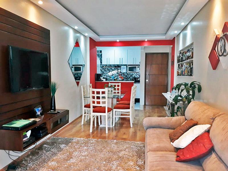 Ipiranga, Apartamento Padrão-Sala com piso laminado, teto com sanca de gesso, iluminação embutida e acesso a varanda.