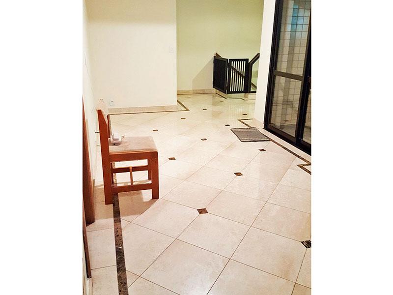 Jabaquara, Cobertura Duplex-Hall com piso de cerâmica no piso superior.