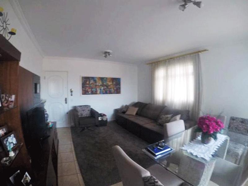 Sacomã, Apartamento Padrão-Sala ampla com piso de cerâmica, teto com moldura de gesso e acesso à sacada.