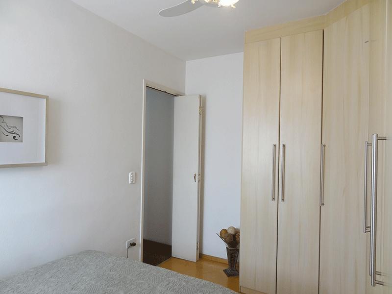Jabaquara, Apartamento Padrão-1º dormitório com piso laminado e armários planejados.