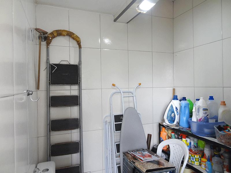 Jabaquara, Apartamento Padrão-Banheiro de serviço com piso de cerâmica.