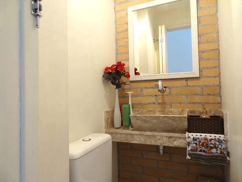 Ipiranga, Apartamento Padrão-Lavabo com piso de cerâmica, pia de granito e teto com moldura de gesso.