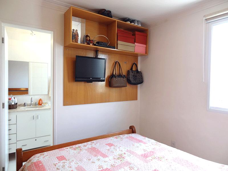 Ipiranga, Apartamento Padrão-1º suíte com piso de pavi flex, armários planejados e teto com moldura de gesso.
