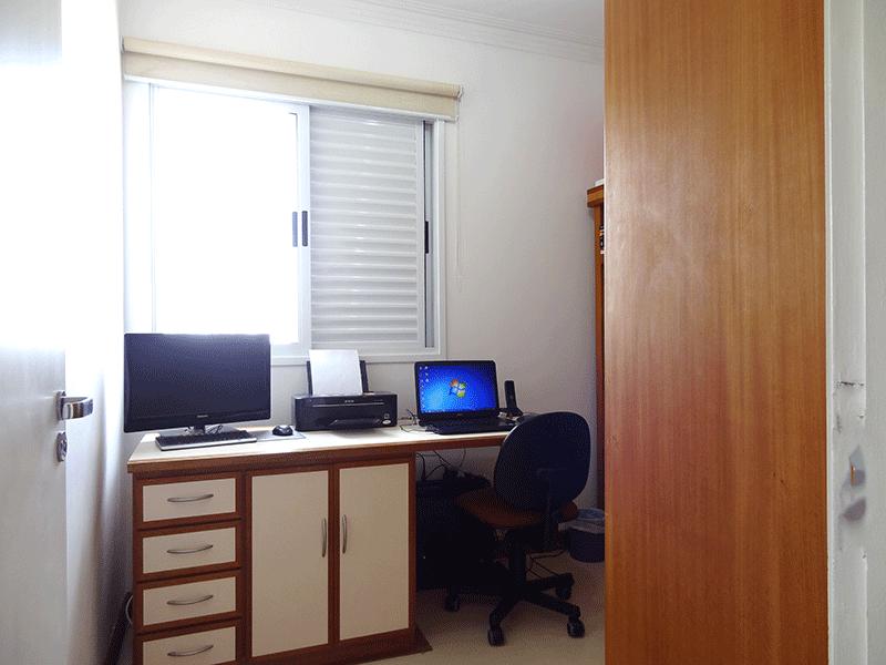 Ipiranga, Apartamento Padrão-3º dormitório com piso de pavi flex, armários planejados e teto com moldura de gesso.