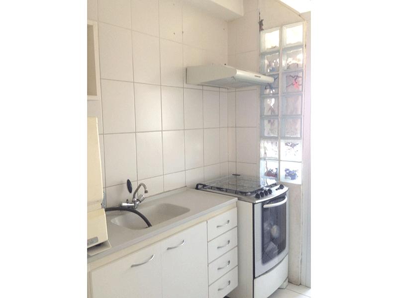 Jabaquara, Apartamento Padrão-Cozinha com piso de cerâmica, pia granito e gabinete.