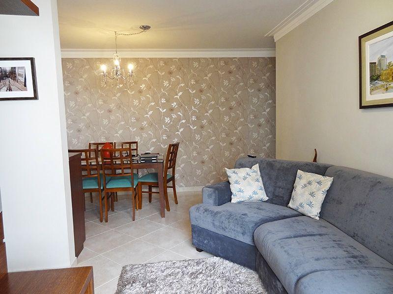 Jabaquara, Apartamento Padrão-Sala em L com piso de porcelanato, teto com moldura de gesso e acesso a sacada.