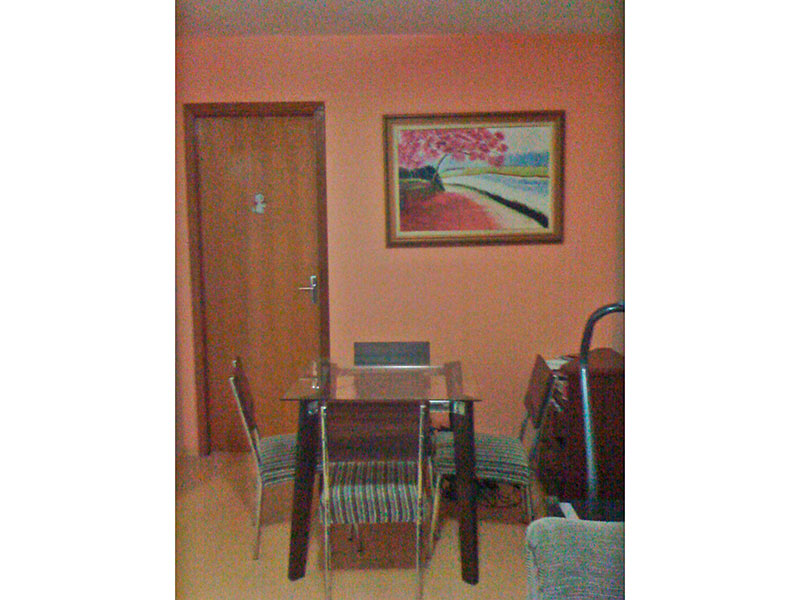 Jabaquara, Apartamento Padrão-Sala com piso laminado e acesso a sacada.
