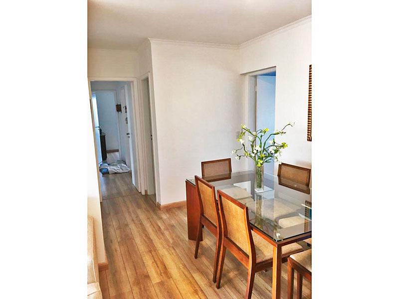 Ipiranga, Apartamento Padrão-Sala em L com piso de laminado, teto com moldura de gesso e acesso a varanda.