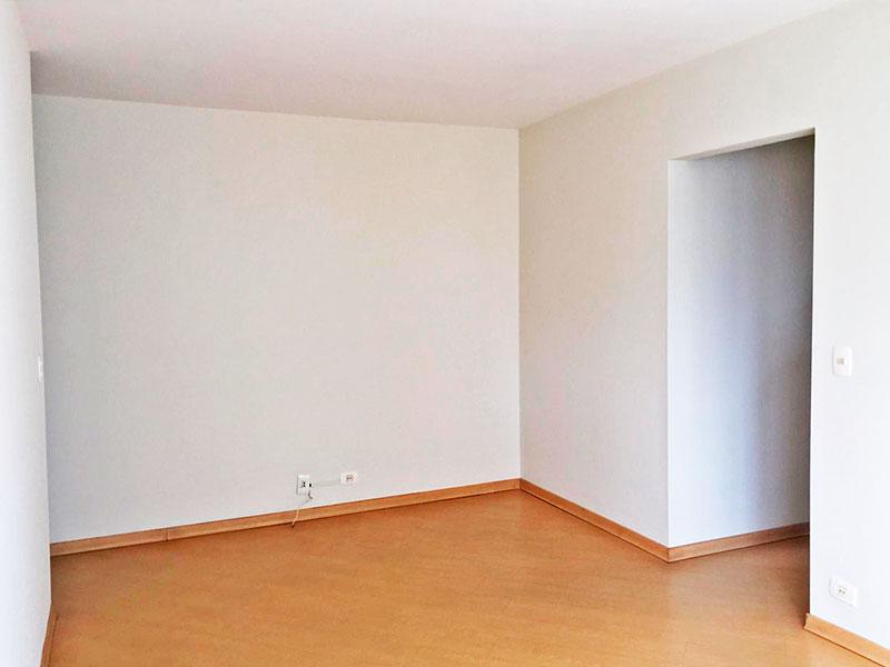 Jabaquara, Apartamento Padrão-Sala com piso de laminado.