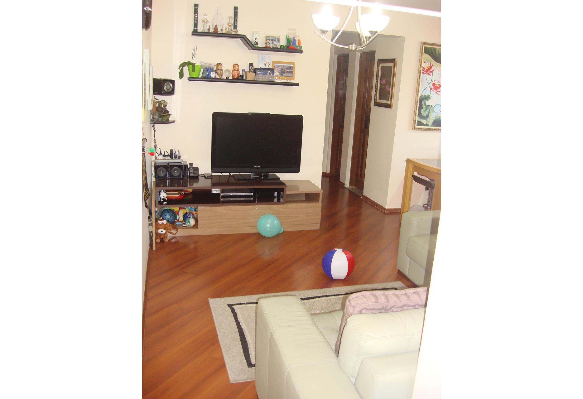 Cursino, Apartamento Padrão - SALA RETANGULAR COM DOIS AMBIENTES E PISO LAMINADO