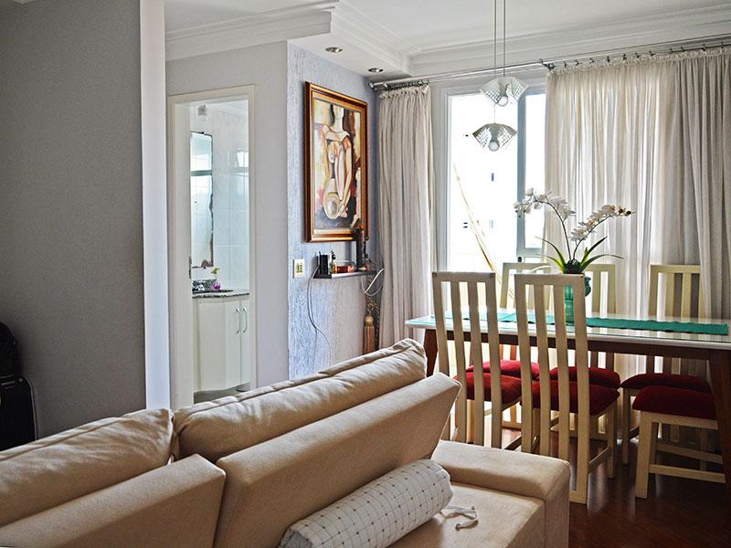 Jabaquara, Apartamento Padrão-Sala integrada com o Hall, com piso de laminado, teto com sanca de gesso, iluminação embutida e acesso a varanda.