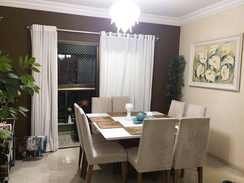 Sacomã, Apartamento Padrão-Sala com dois ambientes, piso de porcelanato, teto com moldura de gesso e acesso à com varanda.