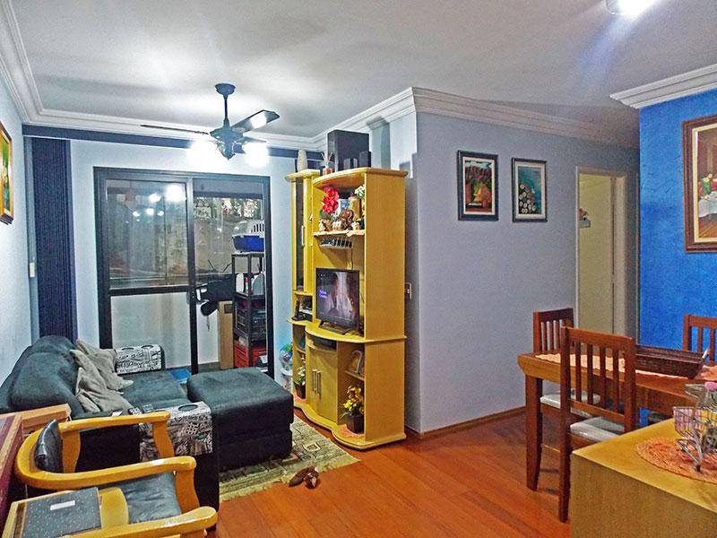 Jabaquara, Apartamento Padrão - Sala em L com piso de tabua corrida, teto com moldura de gesso e acesso a sacada.