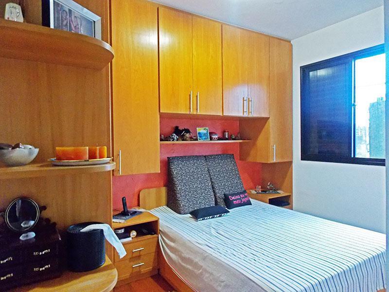 Jabaquara, Apartamento Padrão-Suíte com piso de tabua corrida e armários planejados.