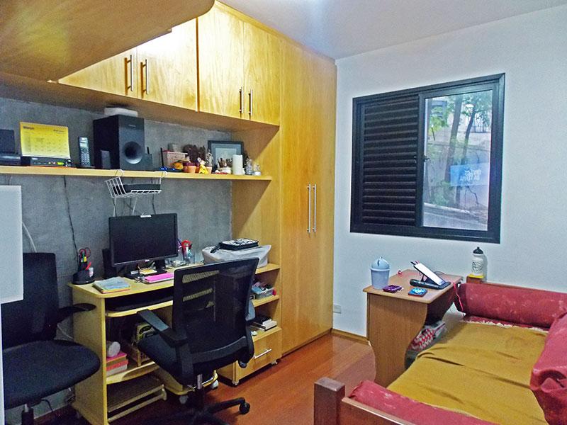Jabaquara, Apartamento Padrão-3º Quarto com piso de tabua corrida e armários planejados.