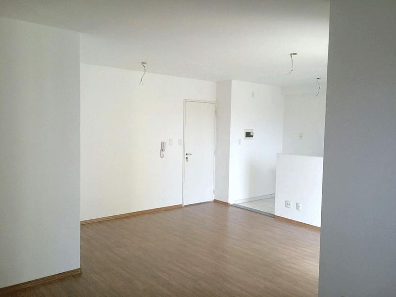 Sacomã, Apartamento Padrão - Sala em L ampliada com dois ambientes e piso laminado.