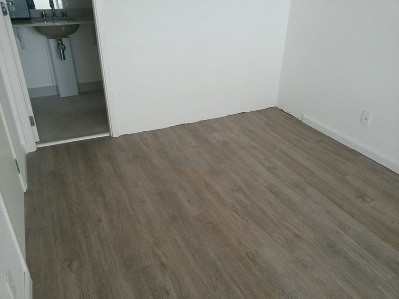 Ipiranga, Cobertura Penthouse-Suíte com piso laminado.
