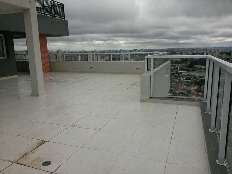 Ipiranga, Cobertura Penthouse-Terraço descoberto com piso de cerâmica.