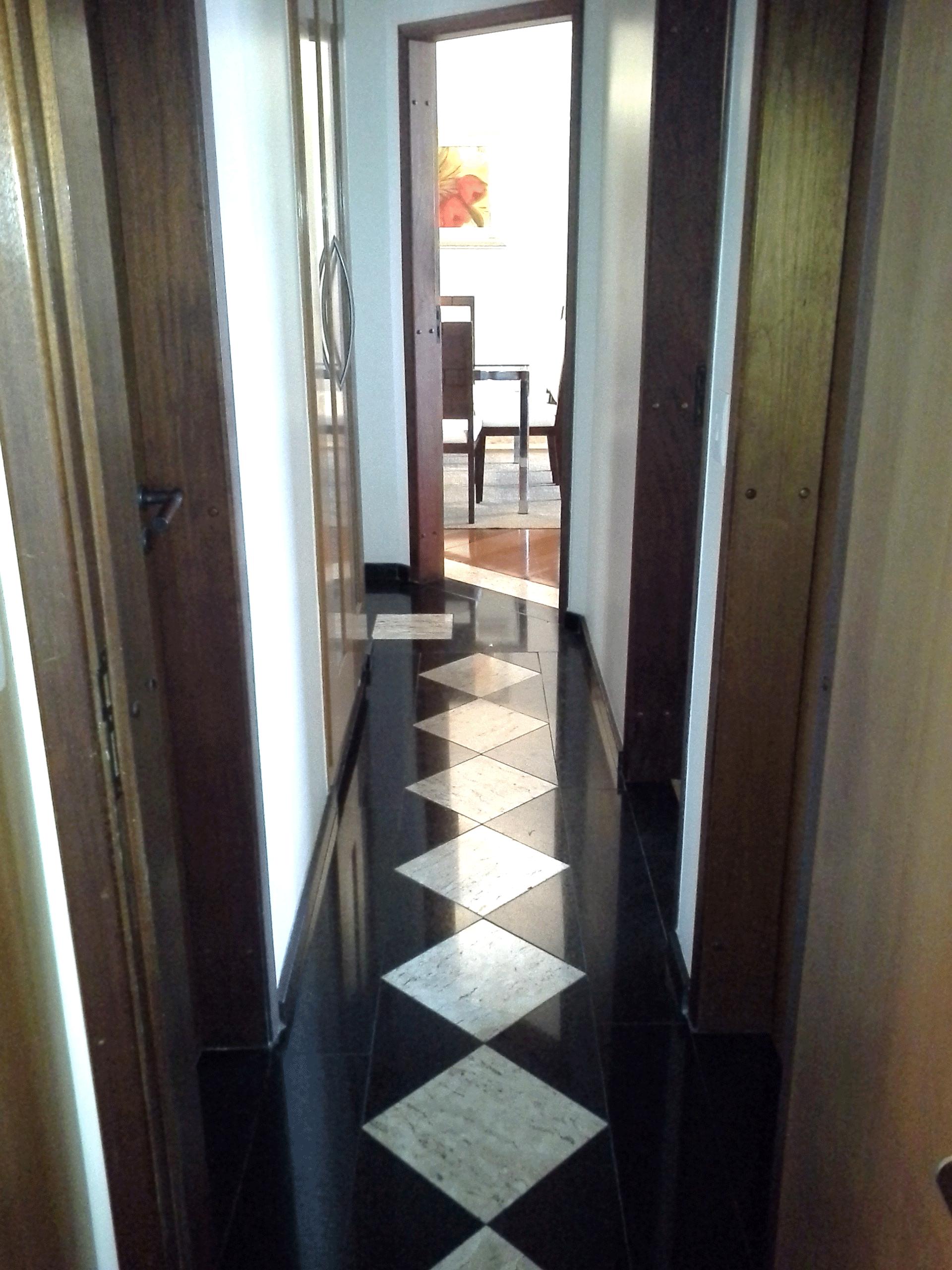 Ipiranga, Apartamento Padrão-Corredor com piso de cerâmica.