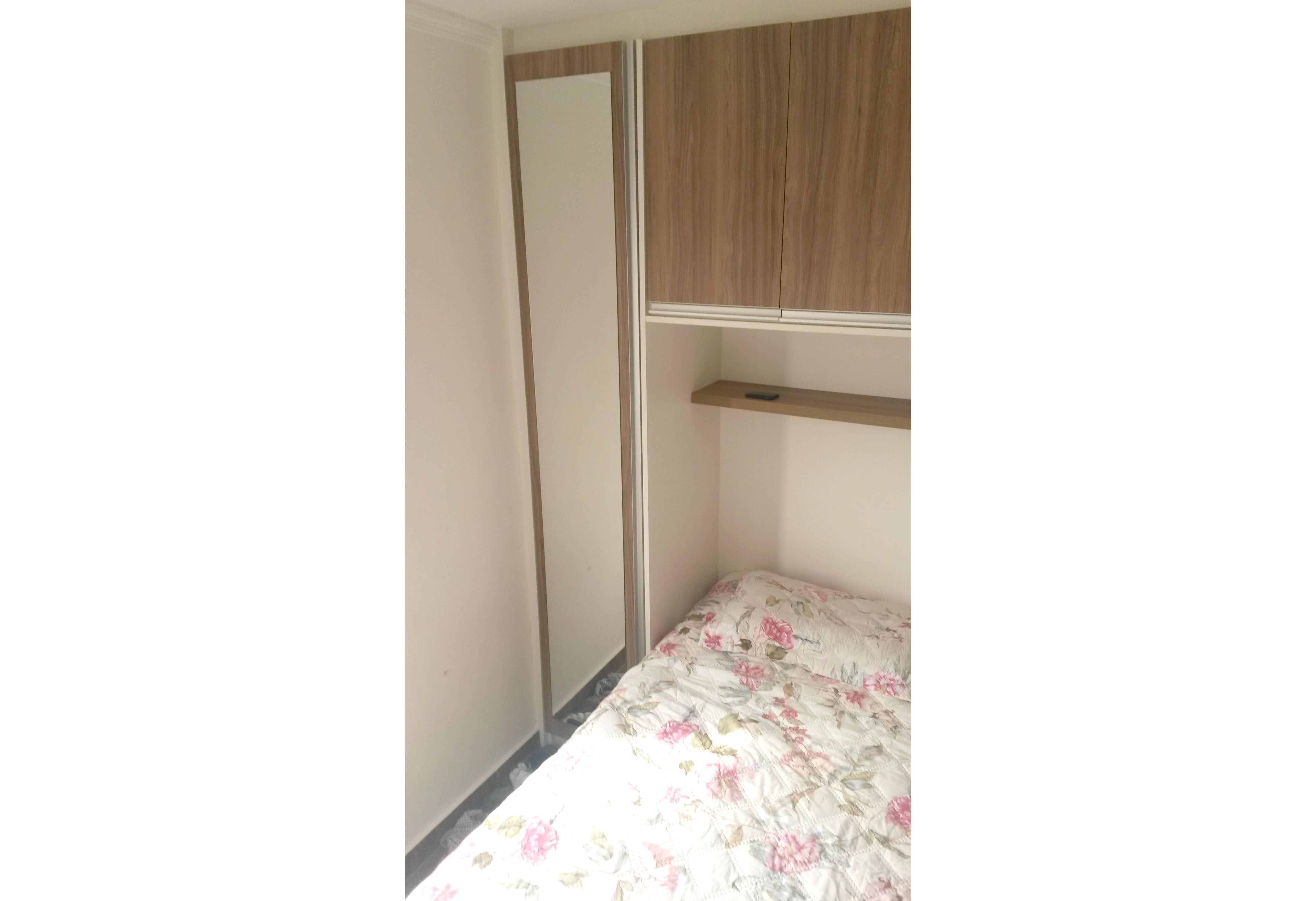 Jabaquara, Apartamento Padrão-Dormitório com piso de cerâmica, armários planejados e teto com moldura de gesso