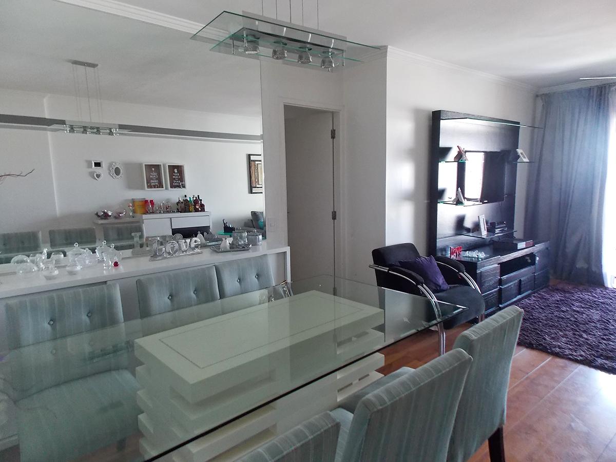 Sacomã, Apartamento Padrão-Sala em L com dois ambientes, piso laminado, teto com moldura de gesso e acesso a varanda