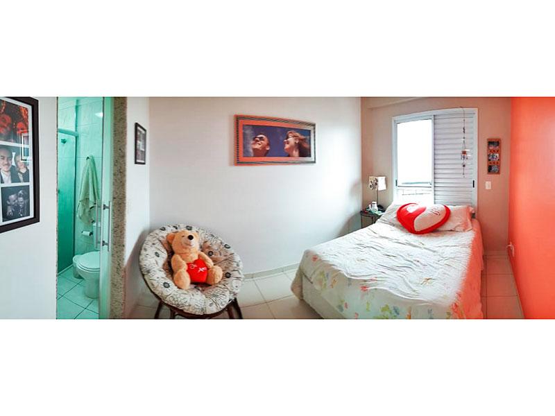 Ipiranga, Apartamento Padrão-Suíte com piso de cerâmica, teto com moldura de gesso e sacada.