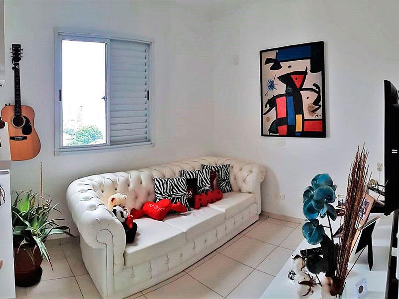 Ipiranga, Apartamento Padrão-Segundo dormitório com piso de cerâmica e teto com moldura de gesso.