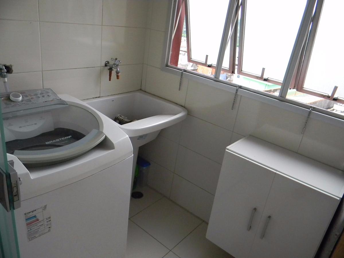 Jabaquara, Apartamento Padrão-Área de serviço com piso de cerâmica e janela.