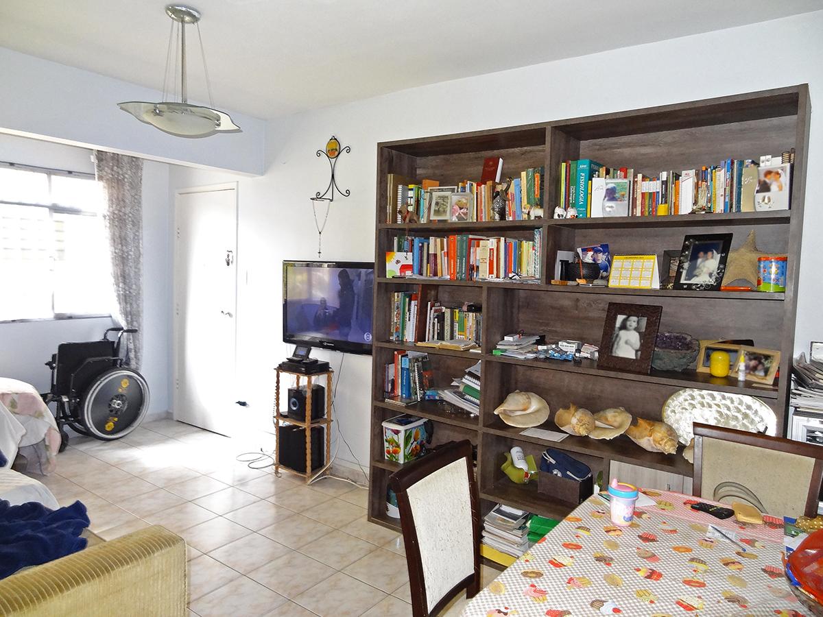 Ipiranga, Apartamento Padrão-SALA RETANGULAR COM DOIS AMBIENTES E PISO DE CERÂMICA.