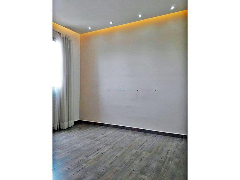 Sacomã, Apartamento Padrão-2º Quarto com piso de cerâmica, teto com sanca e iluminação embutida.