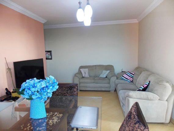 Jabaquara, Apartamento Padrão-Sala em L com dois ambientes, piso laminado, teto com moldura de gesso e acesso à varanda.