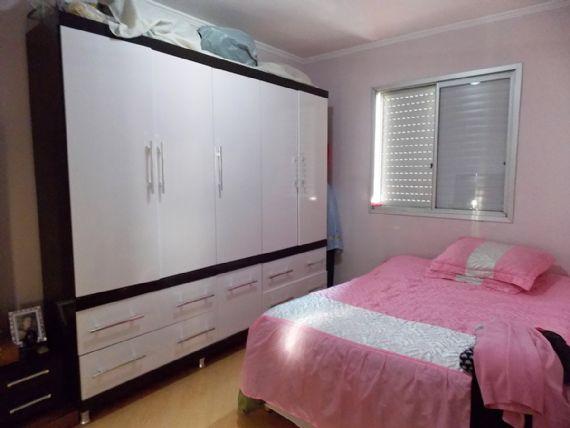 Jabaquara, Apartamento Padrão-Dormitórios com piso laminado e teto com moldura de gesso.