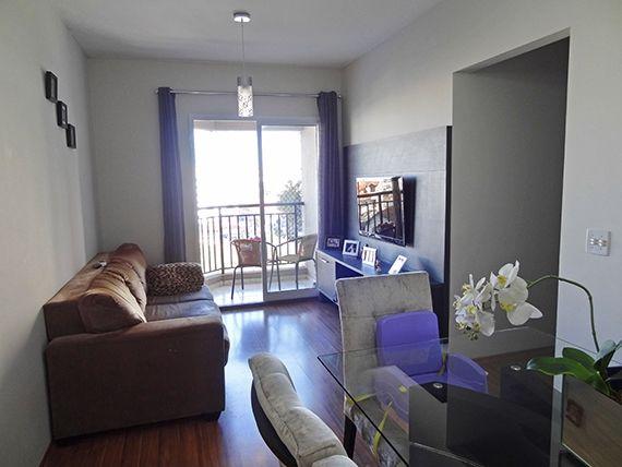 Jabaquara, Apartamento Padrão - Sala retangular com dois ambientes, piso laminado e acesso à varanda.