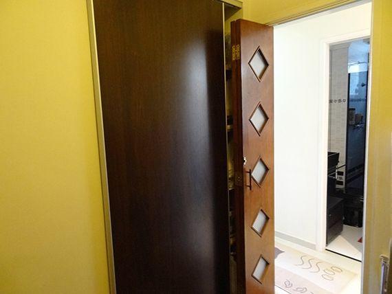 Sacomã, Apartamento Padrão-Segundo e terceiro dormitório com piso laminado, teto com moldura de gesso e armários planejados.